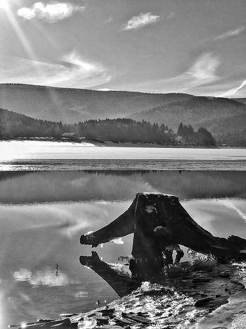 Lake Outdoors Cloud - Sky Landscape No People Day Beauty In Nature Nature Ice Frozen Snow Cold Temperature Monochrome Photography Light And Shadow Black & White Blackandwhite Photography Winter