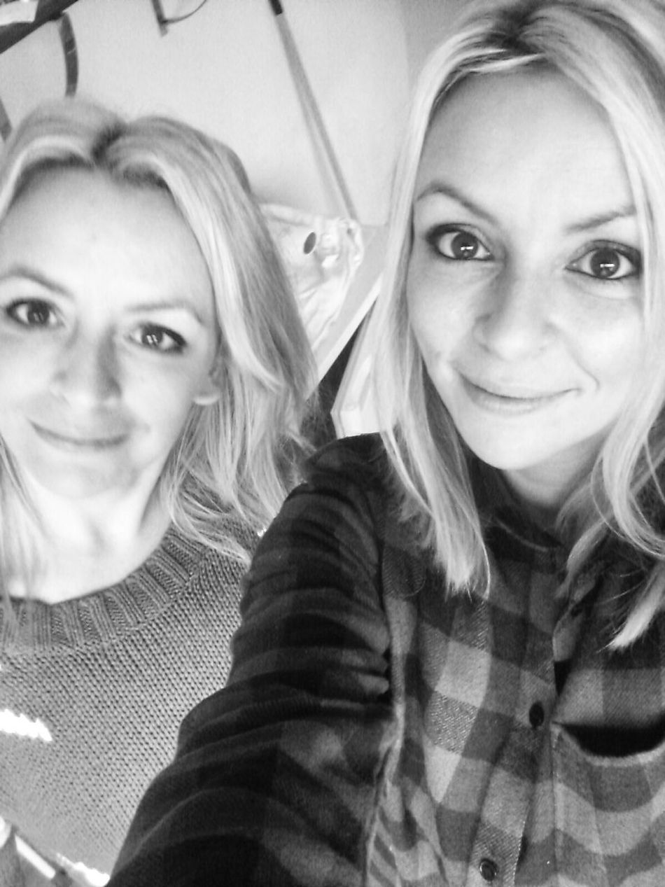 Twins Black&white Blonde Girl Vaya Con Dios concert #belgium brussel...left is my sweet sister