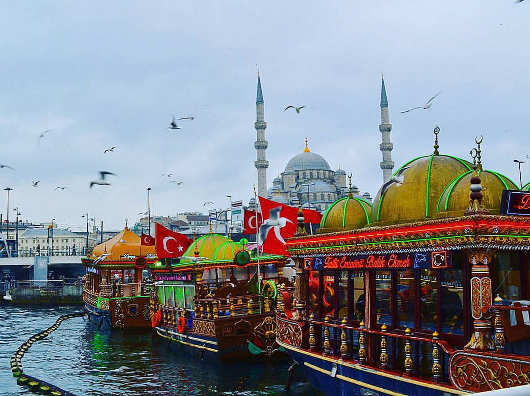 Turkey Istanbul Daily Lif Travel Boats Restaurant Colors Colorful Cities Sea And Sky Mosque