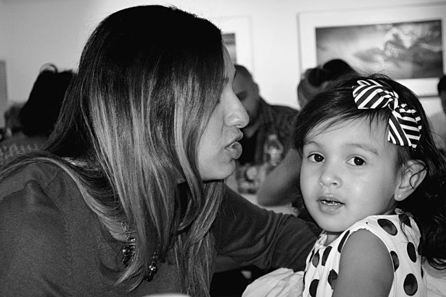 Getting kisses is a struggle. Blackandwhite Talk Tome Mamasbaby Rookie Rookie Photographer Family
