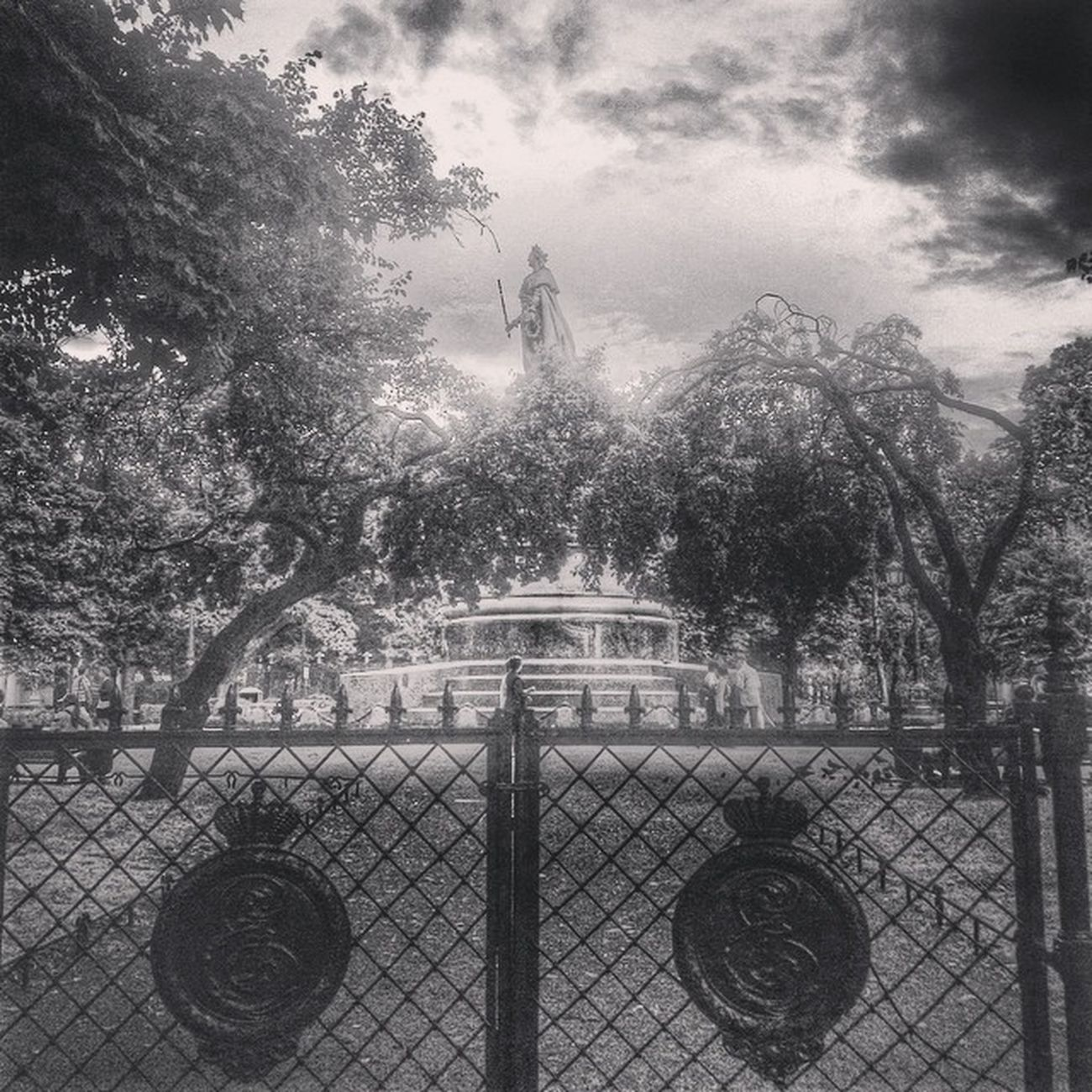 Petersburg Saintpetersburg Sanpietroburgo Saintpétersbourg architecture garden sculpture old decor old urban decorative oldcity blackandwhite bw beautiful bwn_city ic_bw insta_pic_bw bwoftheday classic urbanexploring ic_thestreets streetview streetphoto