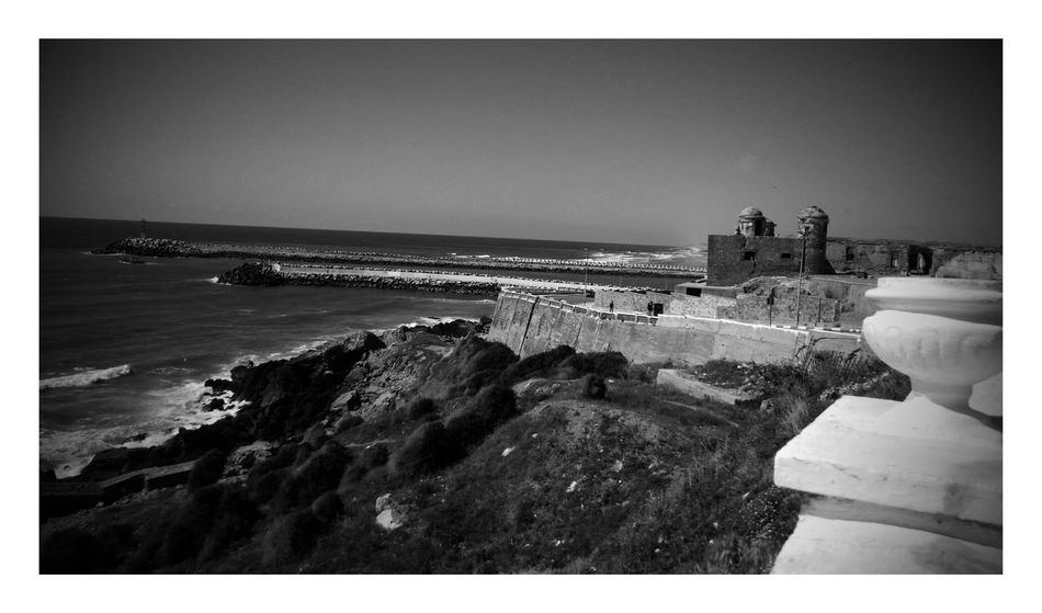 Thesea Larache Lixus Ocean View Ocean Old Buildings Morocco Beauty Morocco MoroccoTrip Morocco_travel Morocco Trippin Moroccotraveltips Blackandwhite Blackandwhite Photography Black & White Black And White Photography Check This Out Monument Oldmonument Sea And Sky Sea View Sea_collection Old But Awesome Old Ruin Photography