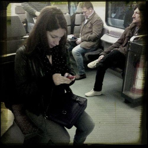 Están en todas partes , móviles , ordenadoras, la tecnología nos consume, que quieres? Http://blueterabyte.es