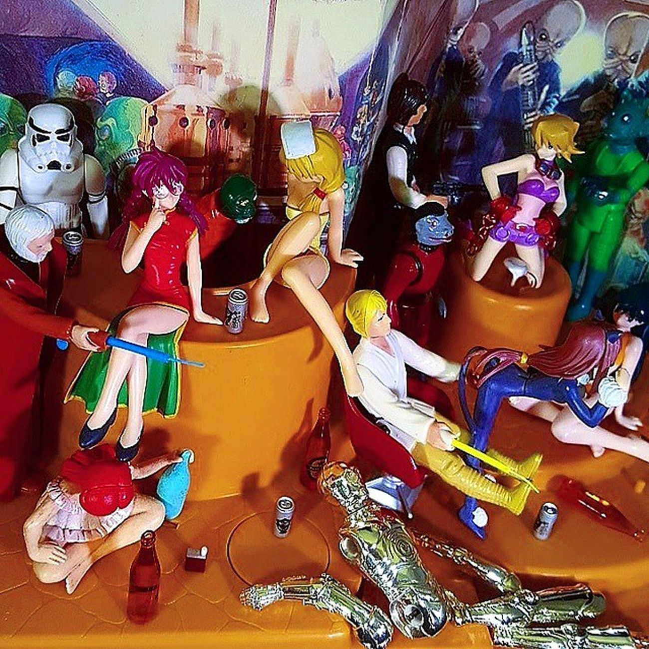 Anyway, looks like that ban on droids is still being enforced... (Smile & nod.) Starwars Starwarsfan Vintagetoys Vintagestarwars Anewhope Vintageactionfigures Droids Starwarsfigures Kenner MayTheForceBeWithyou Thefirstorder Theforce Starwarscantina Tatooine 80stoys 80schild Actionfigurephotography Actionfigures Toycrewbuddies Toyphotography Animefigure Retrotoys Gashapon Japanesetoys Toycollector toycollection toypics lfl