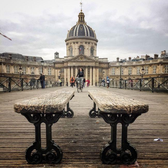 Bon dimanche! Happy Sunday! Architecture Parisweloveyou Paris EyeEm Best Shots Paris ❤ Photooftheday Tourist Famous Place Eyem Best Shot - Architecture