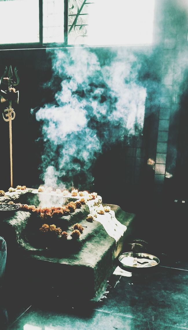 Festive Season the smell of holy smoke Indore Shivamandir Lightnsmoke