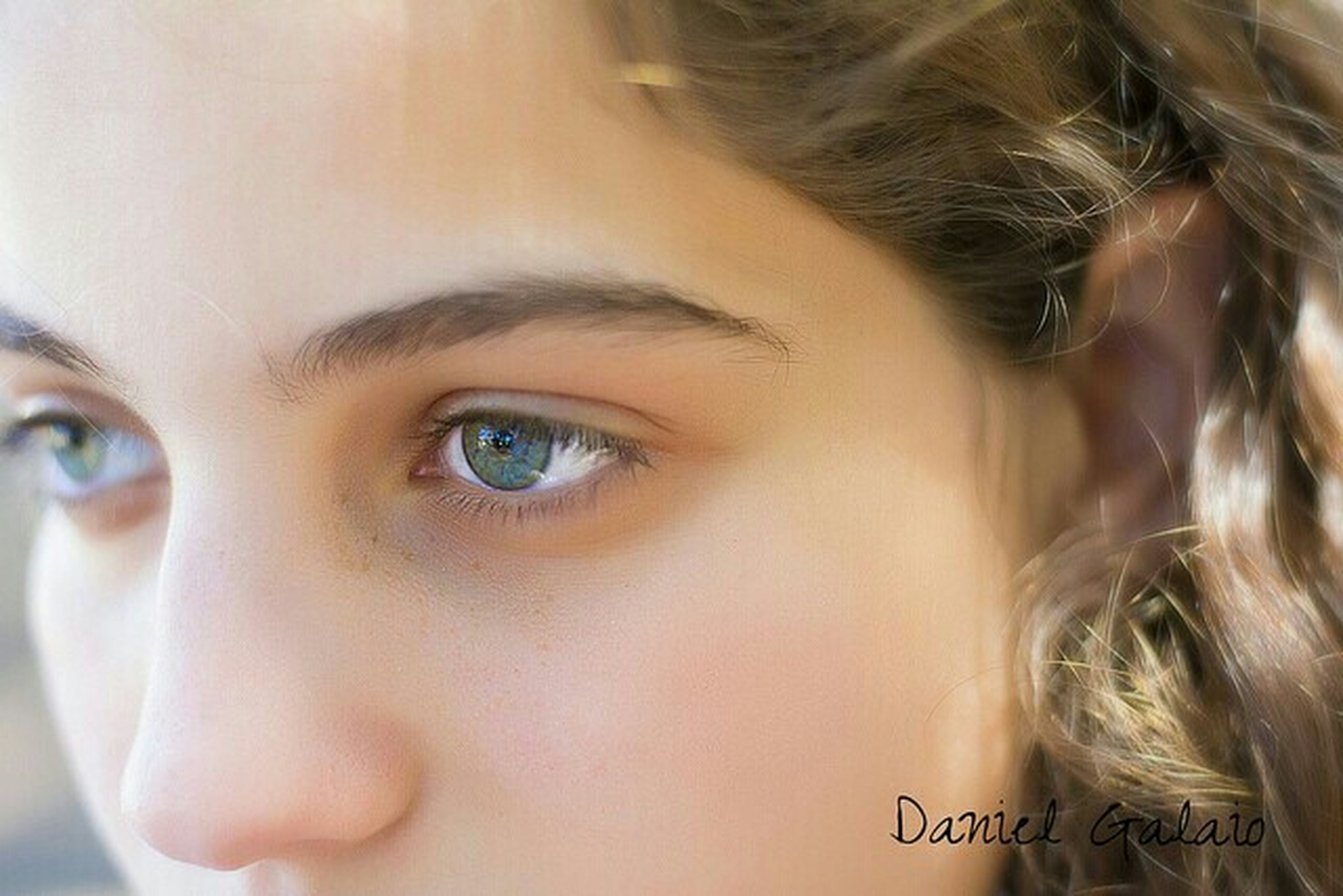 headshot, person, close-up, lifestyles, human face, indoors, young adult, young women, looking at camera, leisure activity, childhood, portrait, head and shoulders, front view, girls, innocence, focus on foreground