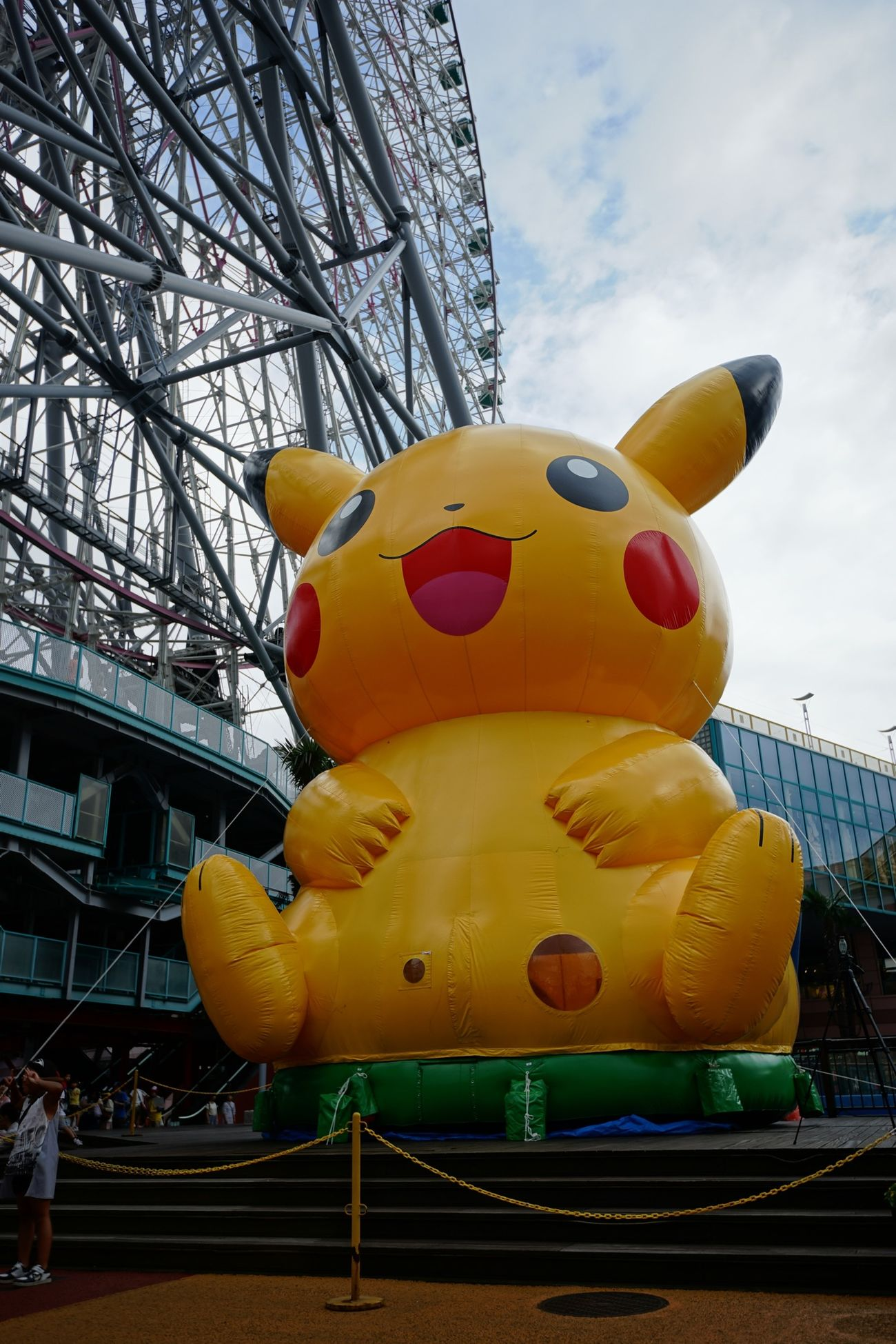 Pokémon Pikachu and Ferris Wheel