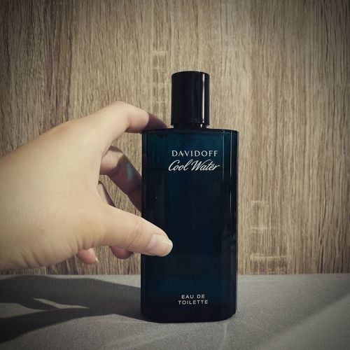 Davidoff Perfume Fragrance Scent Human Hand Human Body Part One Person Close-up Holding Adults Only People Adult Spray Paint Indoors  Only Women Day First Eyeem Photo