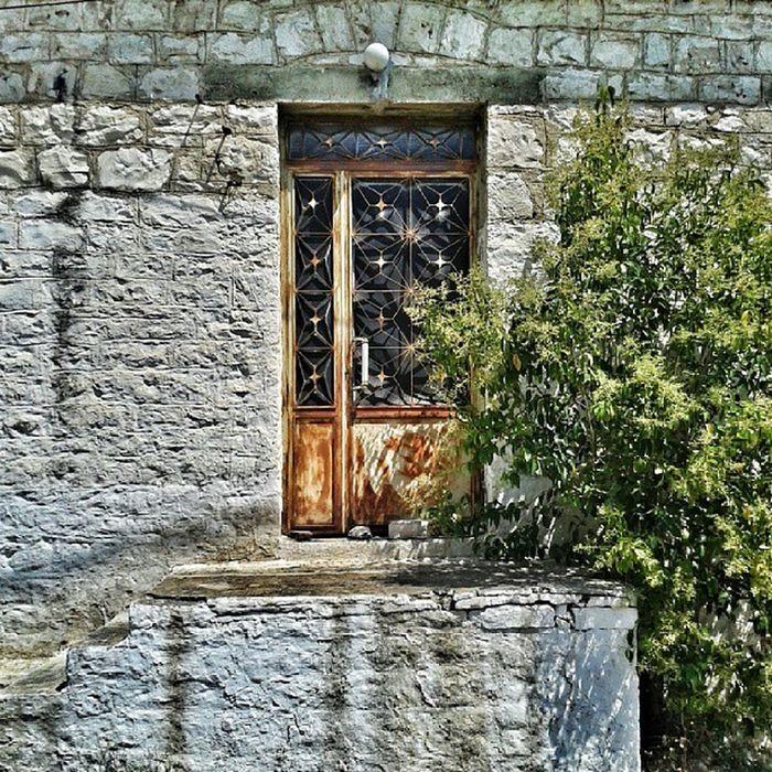Doors Decay Abandonment Instabeauty igaddict igersathens instapic instalovers_gr instagood_greece instadaily igers_greece ig_greece igdaily instalovers instacool summer photooftheday picoftheday