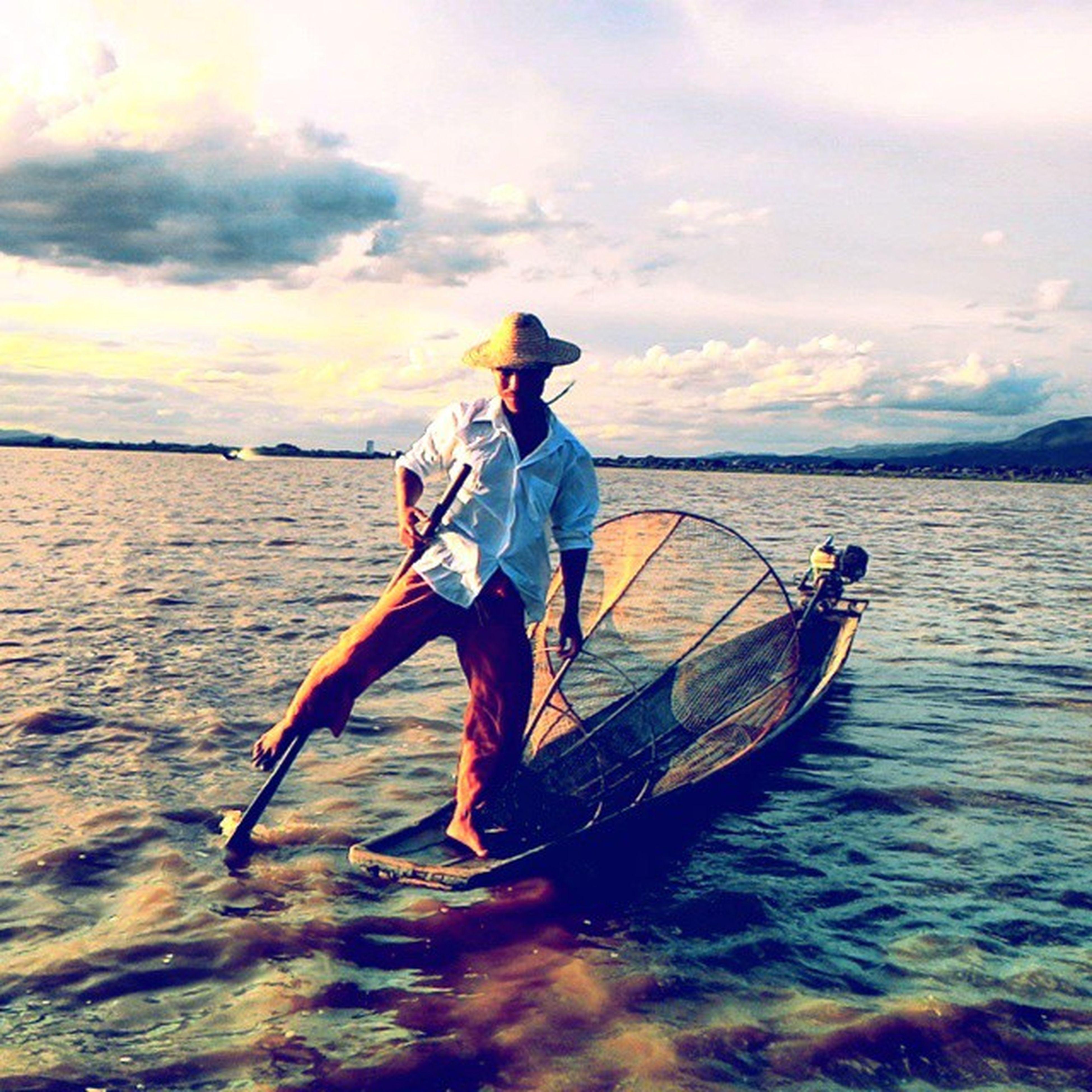 Inthar fisherman in Inle Lake, Myanmar. Intharthribe Inlelake Intharfisherman Inle Myanmar Lake Fisherman Clouds Sunsets