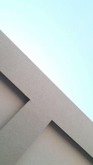 Thesky Blue No Effect Nofilter Minimal Plain & Simple Plain Up Lookingup Building Exterior Blue Sky Shine Like Likeforlike