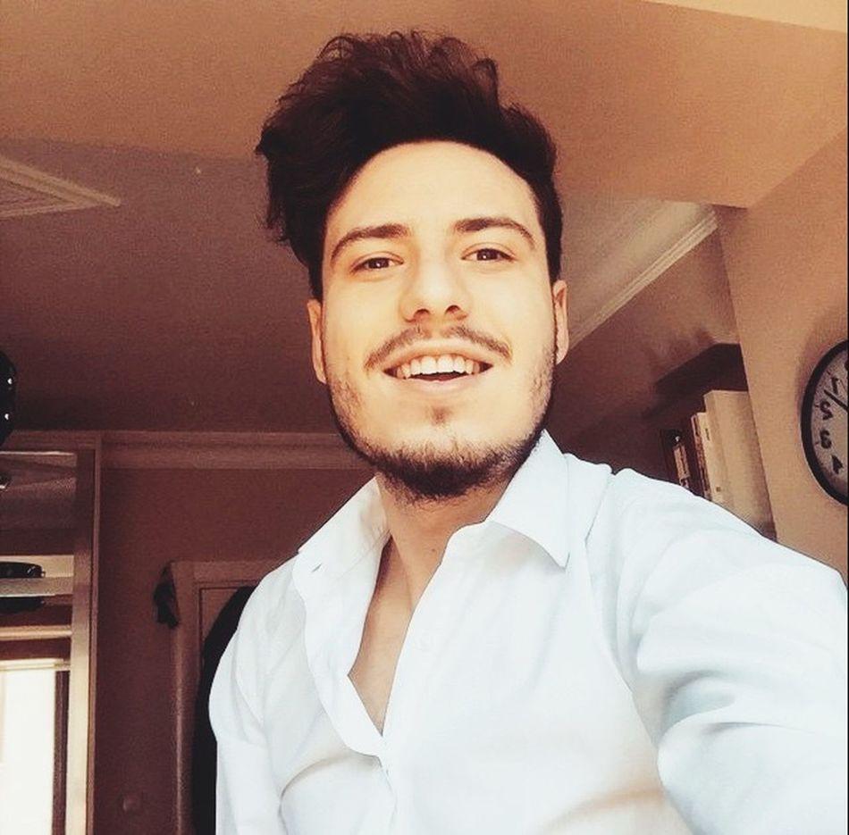 Happy Küpe Smile Mutluluk Beyazgömlek Beyaz Gömlek Selfie ✌ özçekim Good Night 😊✌🏻️