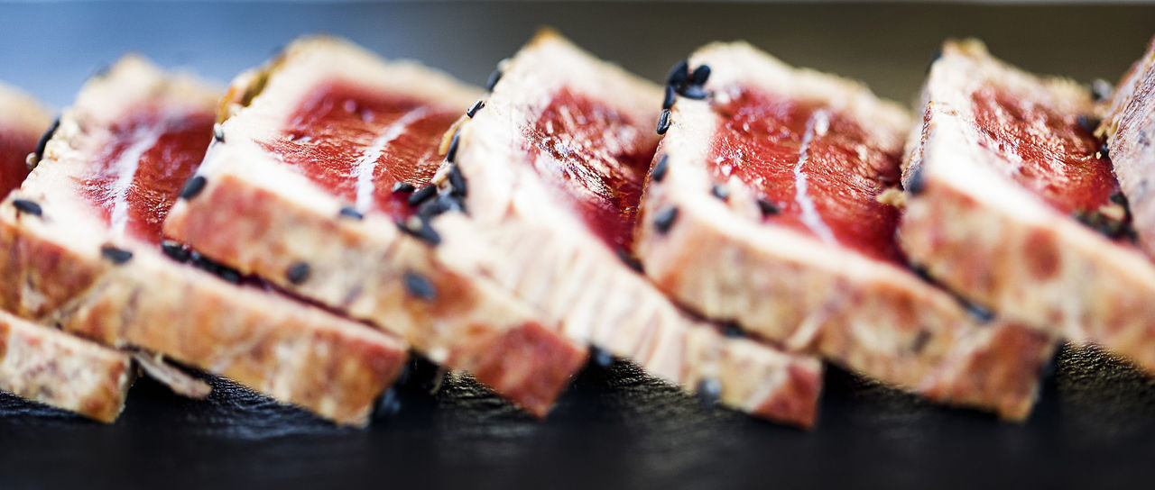 Tataki de atún. Food Porn Tuna Tataki Yellow Fin Tuna