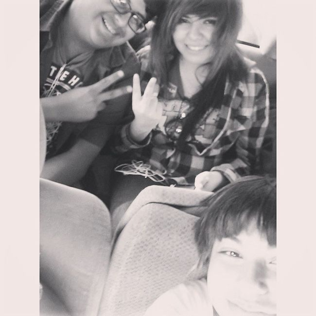 Me & my wonderful cousins! ❤ Love you guys. Cousintime Oldpic lol