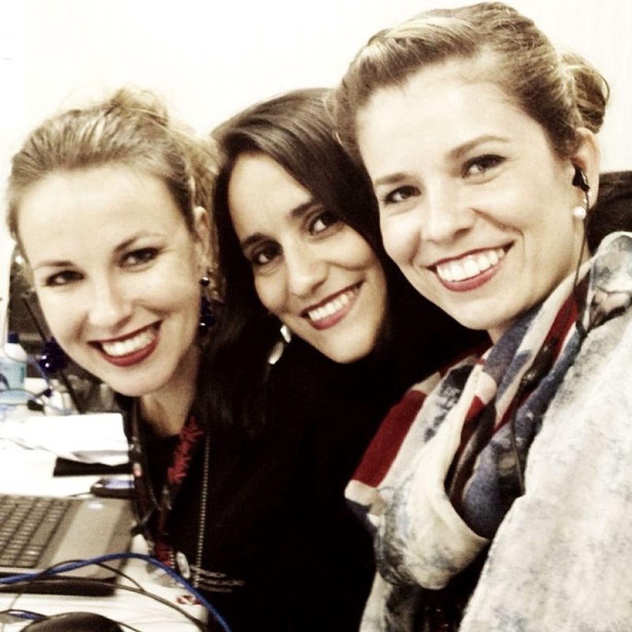 Trabalhadas no bocão na Sala de Imprensa do Rock in Rio. Porque trabalhar com amigas é bom demais!! Rockinrio Saladeimprensarir2013 Approach Riodejaneiro brazil