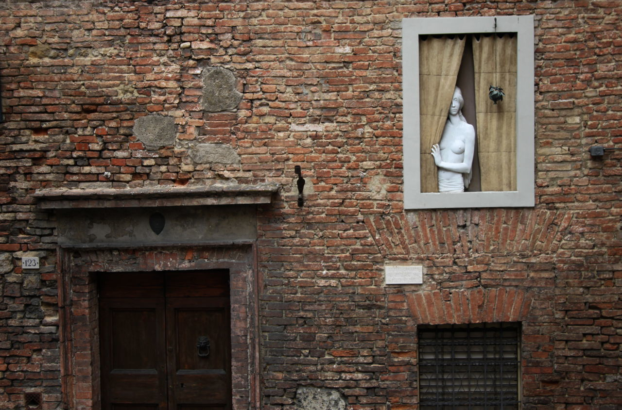 brick wall, architecture, built structure, building exterior, no people, window, day, outdoors, close-up