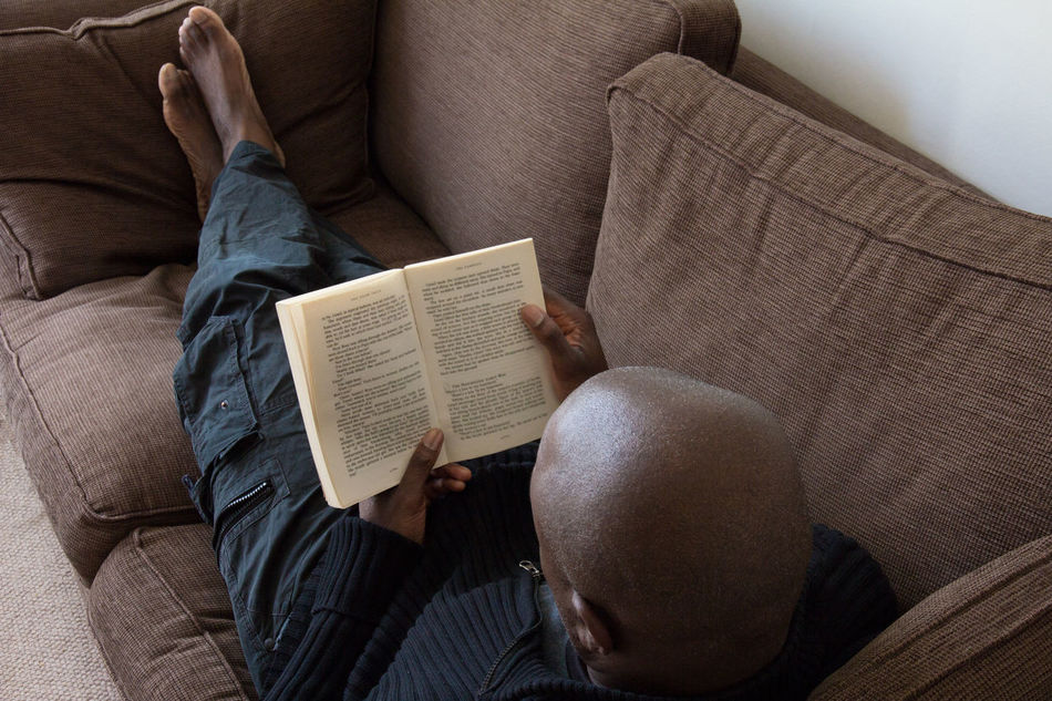 Beautiful stock photos of bücher, 45-49 Years, Barefoot, Book, Casual Clothing