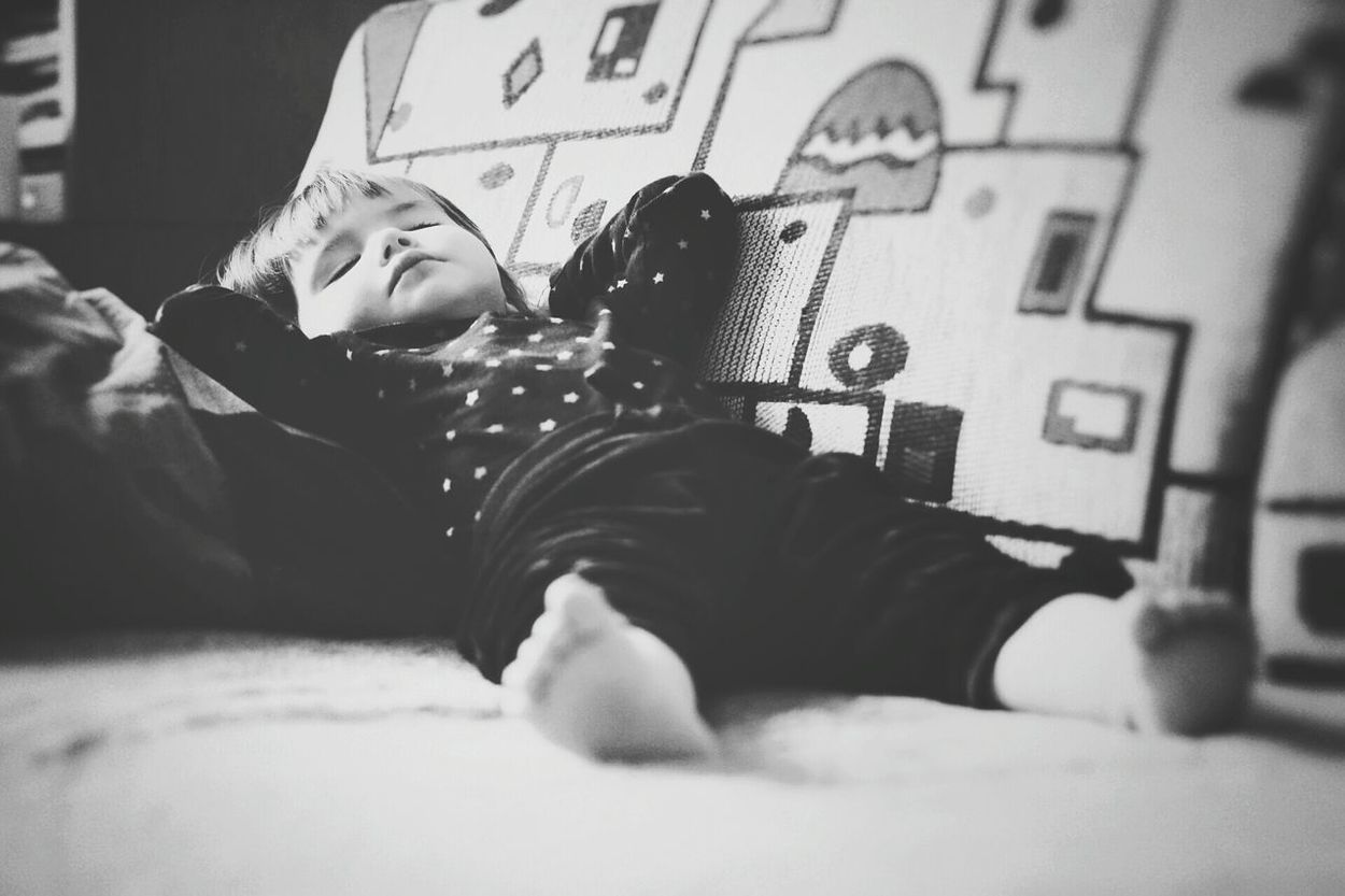 Kid Child Relaxed Relaxing Laying Down Resting Sleeping Portrait Person Small Baby Baby Girl Monochrome Black And White Having Nap Nap Kids Of EyeEm Kids Being Kids Kids Kids Portrait