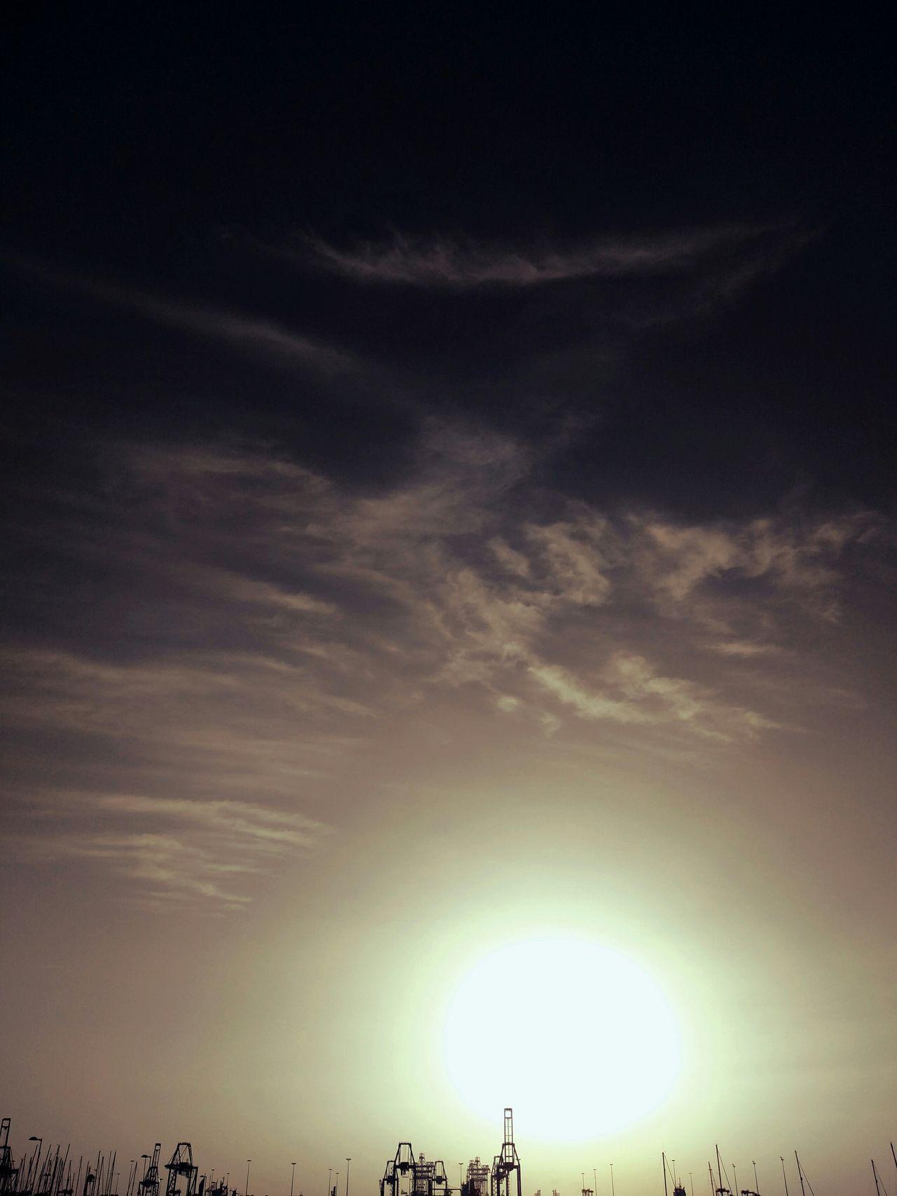 Nuestro muelle siempre da la bienvenida al sol primero. Have a good day Eyeemers!! High Contrast Original Photography Cloud_collection  Beachphotography Sunshine