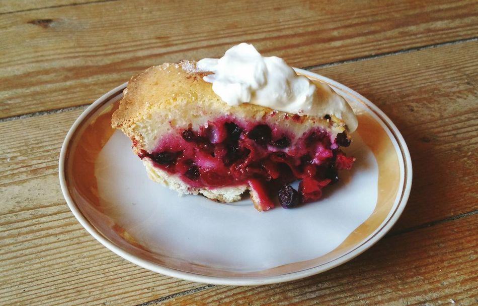 The great Sour Cherry & Blackcurrant Pie by Jane... Food Cooking Summer Pies Fruit Sour Cream Dessert Comidas пирог десерт Вишня смородина выпечка