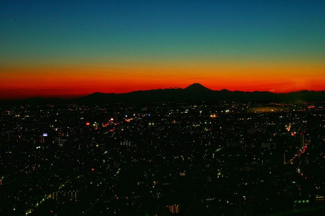 Ultimate Japan富士に沈む夕陽・都庁展望台より♪(*´︶`*)✿ (11年前)Fujisan Mount FuJi Sunset Sunset_collection Sunset Silhouettes Sunsets Sunset_captures シルエット部 Silhouette Silhouettes Nightphotography Night View Night Photography Silhouette_collection Japanese  Japan EyeEm Gallery Taking Pictures Hello Eyeemphotography Hello World Helloworld Japan Photography Japan Photos