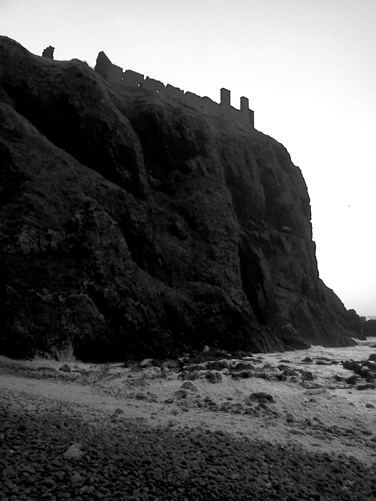 Scotlandlover Scotland Cliff Scottish Castle EyeEm Gallery Cliffs Eyeem Scotland  Black And White Photography EyeEm Travel Photography Blackandwhite Photography Eyeem Black And White From My Point Of View Blackandwhite EyeEm Nature Photography EyeEm Nature Lover Castle Traveling Scottish Beaches Beach Photography Nature_collection Nature Black And White Blackandwhitephotography Travel Photography Eye4photography
