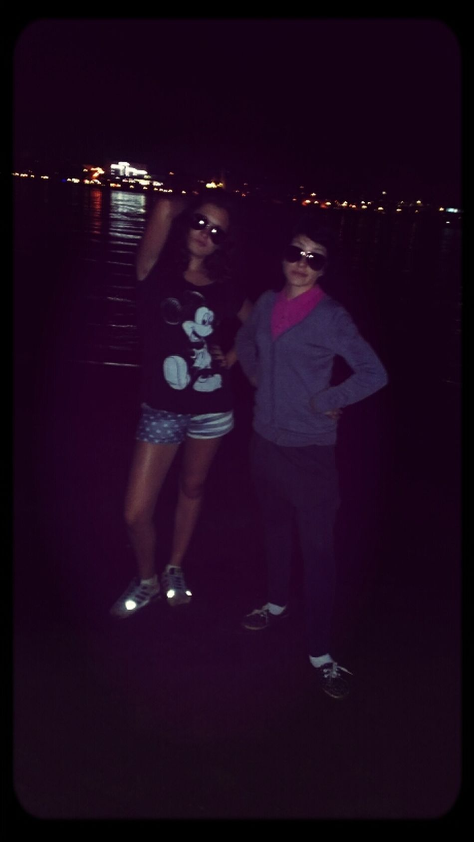 а мы гуляем ночью в очечах