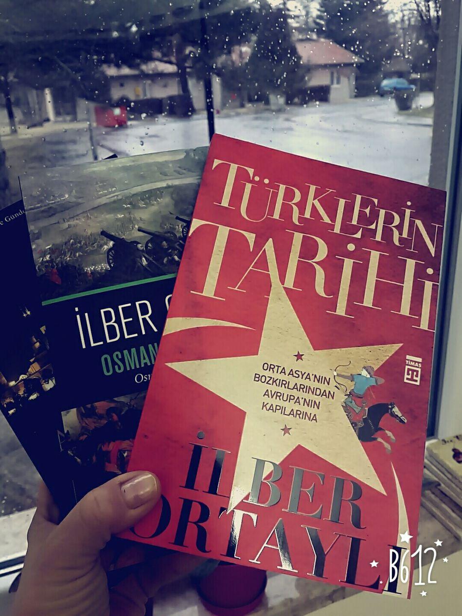 New books & rainy day Kitapkokusu Kitapkurdu Happytimes Enjoying Life Ilberortayli Reading Time ThatsMe Taking Photos Rainy Day EyeEm