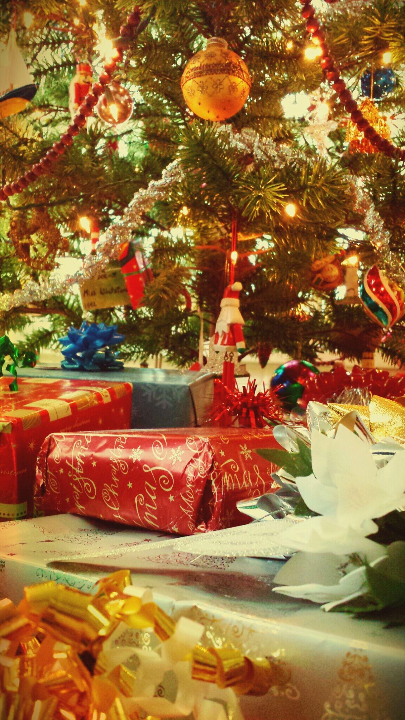 Xmas Tree Happy Christmas Christmas Presents