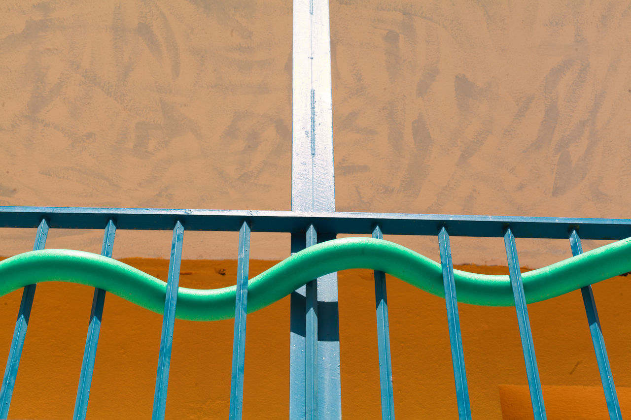 No People Rope Day Green Color Multi Colored Outdoors Water Close-up The Architect - 2017 EyeEm Awards Streetphotography Street Street Photography Street Art Green Color Lifestyles Tranquility Art Is Everywhere Balcony Summer Views Summer