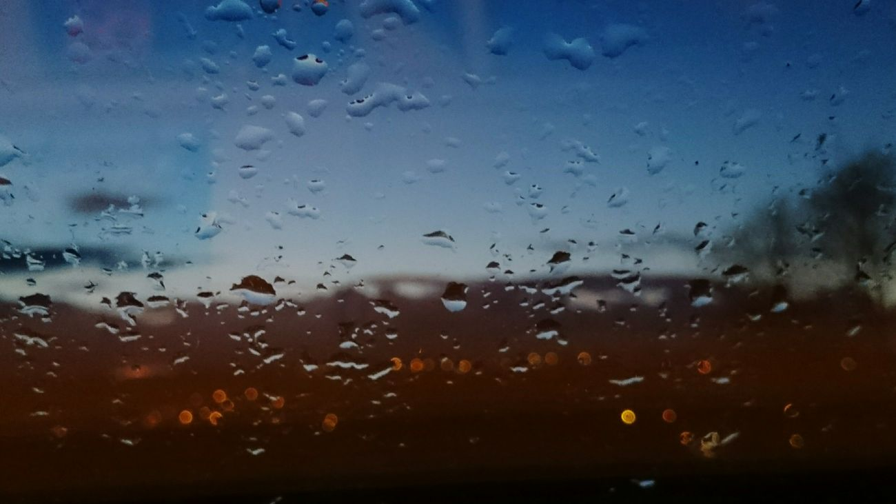 Time to go to bed Evening Glow Rain Window City Lights Sony Xperia Z2
