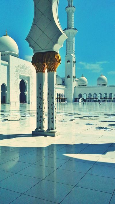 Town UAE United Arab Emirates Grandmosque Abu Dhabi Building Exterior Travel Destinations Built Structure Architecture City Life Outdoors Time Passes By Cityscape Islamic Architecture Islam City Quran Religion Reflection Place Of Worship SubhanAllah Light And Shadow