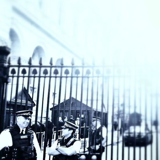Policemen Downing streetGated  Prime minister london