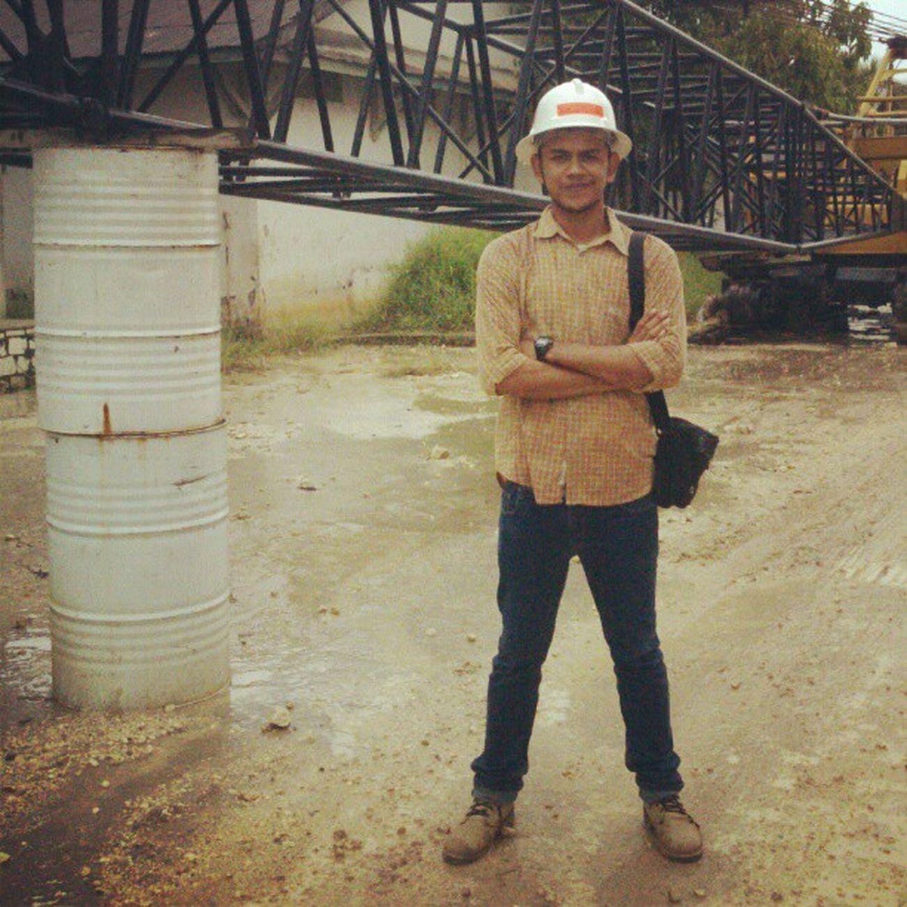 Me Ekskursi PT. Industri Marmer Indonesia Tulung Agung, Jawa Timur. MiningEngineering Kuliah Lapangan Boot helmet safety