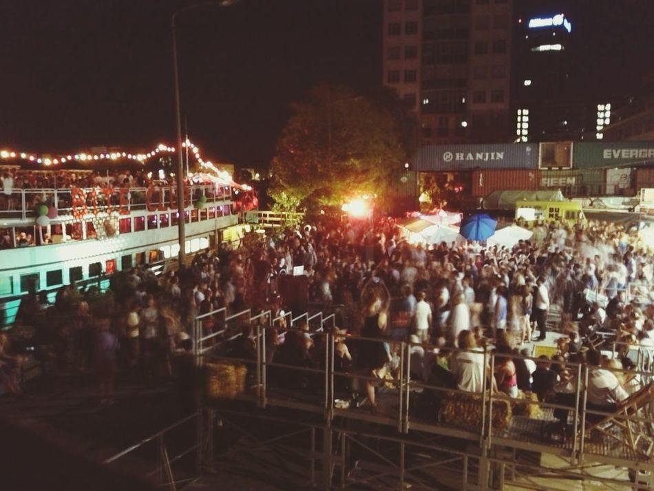 Crowd Foodie Rum Summer Vibes