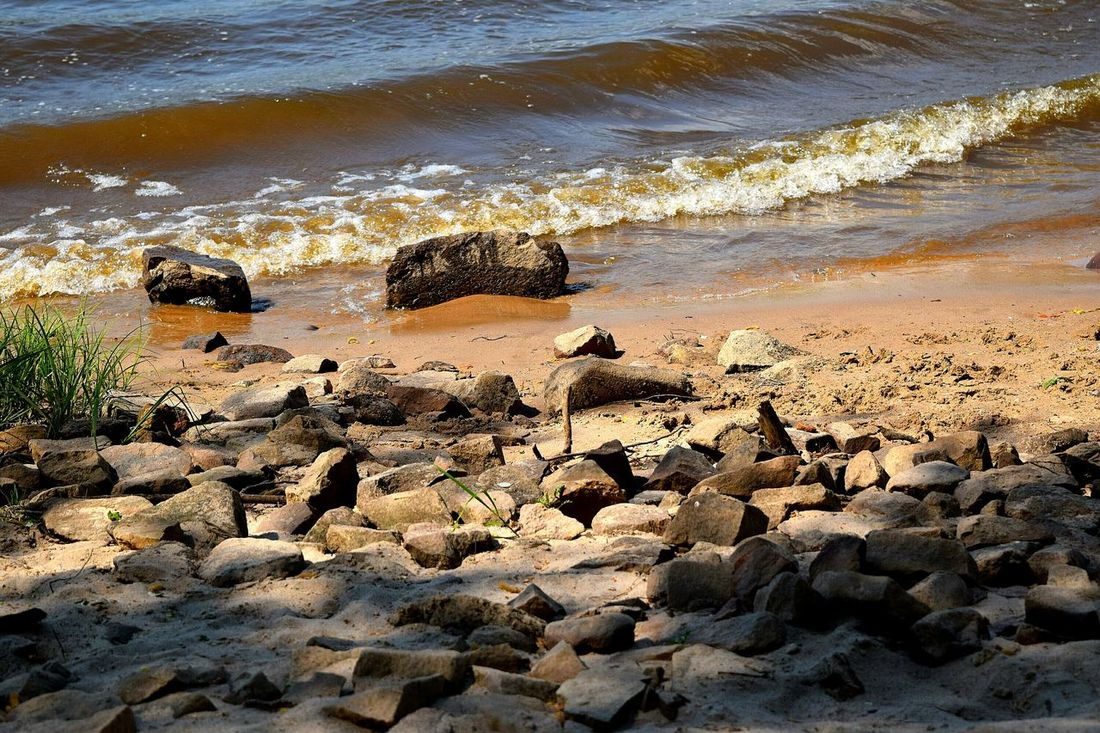 Taking Photos Check This Out Elbe River Elbe My Favorite Photo The Places I've Been Today Spring 2016 May 2016 The Great Outdoors With Adobe Showcase May Beach Photography Life Is A Beach Riverside Waves Rocks And Water Springtime Nature_collection Hold Back The River Riverscape Water_collection