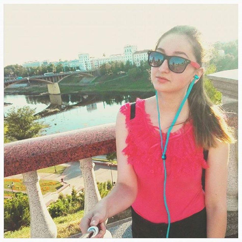 За все лето не сделала ни одной фотографии с Двиной. Мне даже стыдно 😨 Искупаю свою вину ❤ Витебск двина мост кирова лето summer vitebsk люблюсвойгород хоть в нем и сложно.