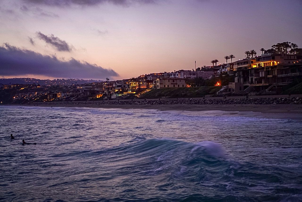 Adapted To The CityCity meets ocean on the cliffs of Laguna Beach, California. Sunset Water Night Sea Outdoors Cityscape City Cloud - Sky Sky Twilight Relaxing Simple California Laguna Beach, CA Dana Point, Ca Surfing Waves And Rocks Waves Cliffside