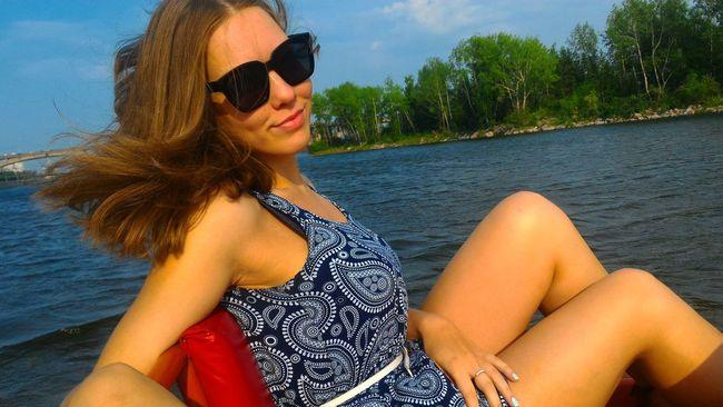 Россия красноярск россиямоялюбовь девушка Природа лето солнце Енисей Russia Russian Girl Krasnoyarsk Summer Girl Beauty Lady Relaxing