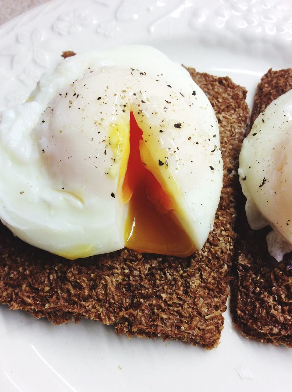Poached Poached Eggs  Egg Food Healthy Eating Egg Yolk Breakfast Black Peppercorn Oatbran Crispbread  Healthy Lifestyle Healthyliving Healthylifestyle