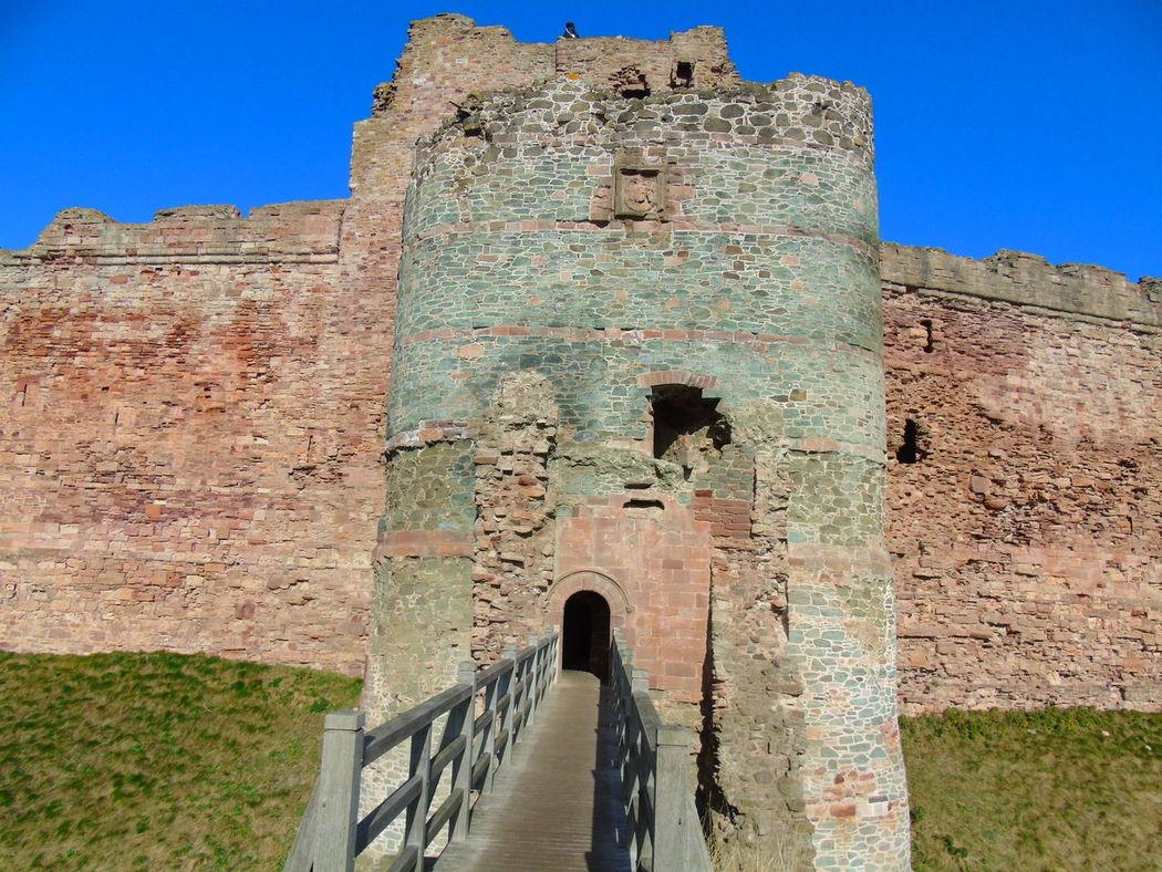 Outdoors History Scotland Castle Colour Contrast Leading Lines Framing Tantallon Castle
