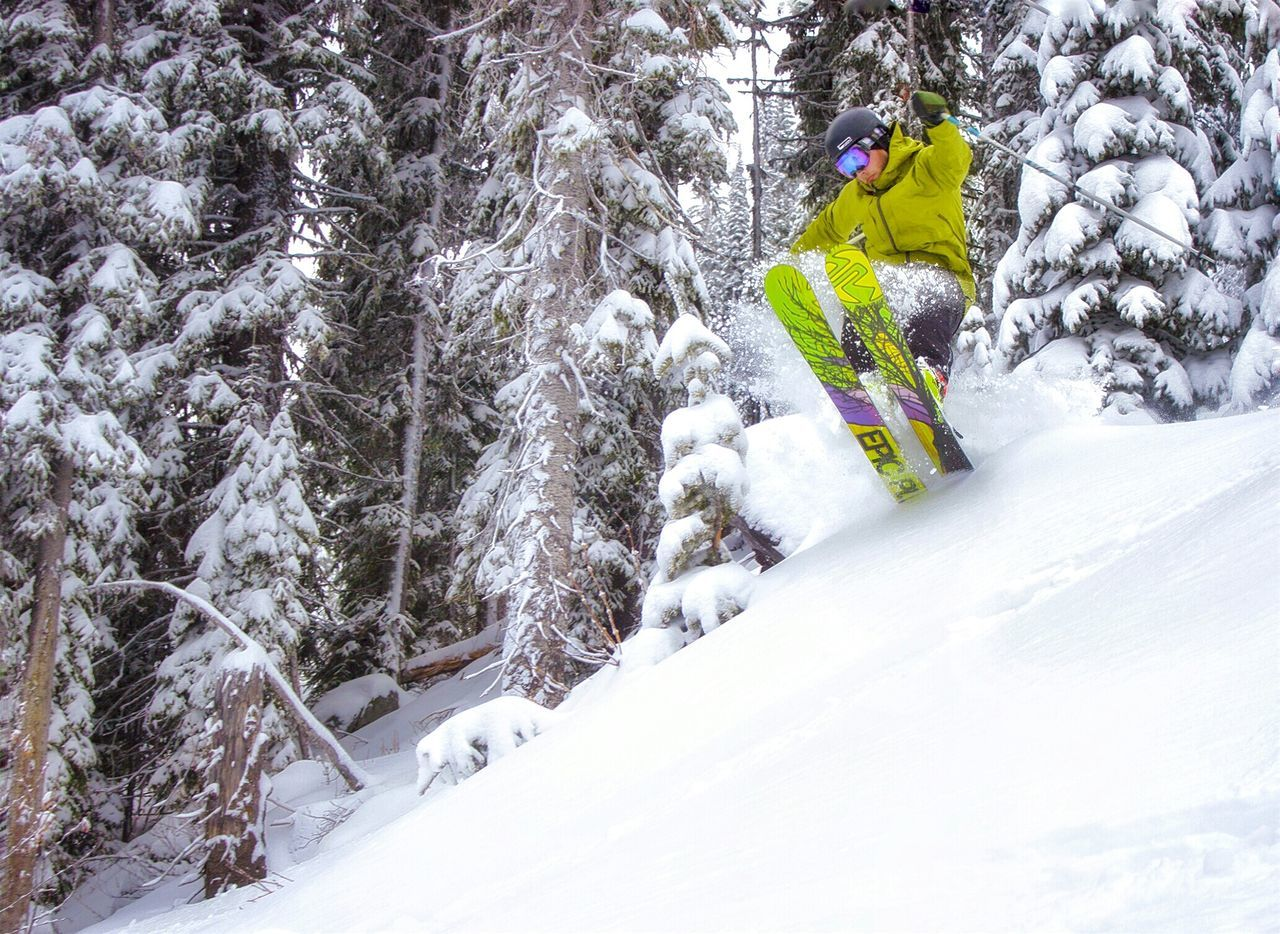 Snow Winter One Person Leisure Activity Only Men Outdoors One Man Only Adventure Sport Mountain Extreme Sports Vacations Weekend Weekend Warrior Skill  Ski Skiing Freeride Freeride World Tour Mountain Sports Winter Sports Adventure Sports Outdoor Sports Powder Snow Powder Highway