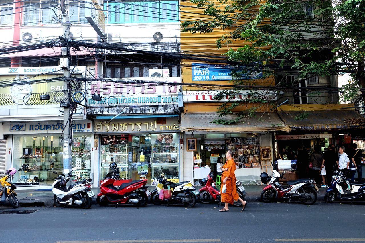 Transportation Architecture City Men Car Travel Destinations City Life People Buddhist Monks Buddhism Monk  Thailand Holidays ASIA Vacations Megapolis Traveling Lonelyplanet Market Streetphotography Street Market