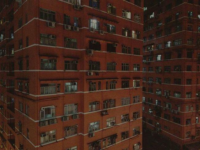 ⬛⬛⬛ ------ ------ ------ Red Mongkok Night Light Buildings Symmetry Hkig Instameethk Oneplusone Discoverhongkong EyeEm Art Photography Urbanexploration Hk HongKong Cities At Night
