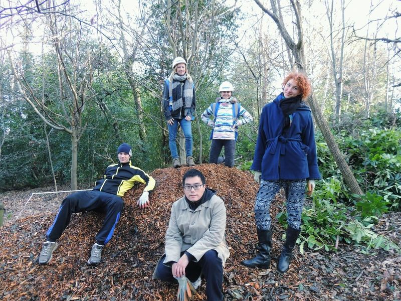 Hanging Out Taking Photos Check This Out That's Me Volunteering Biodiversity University