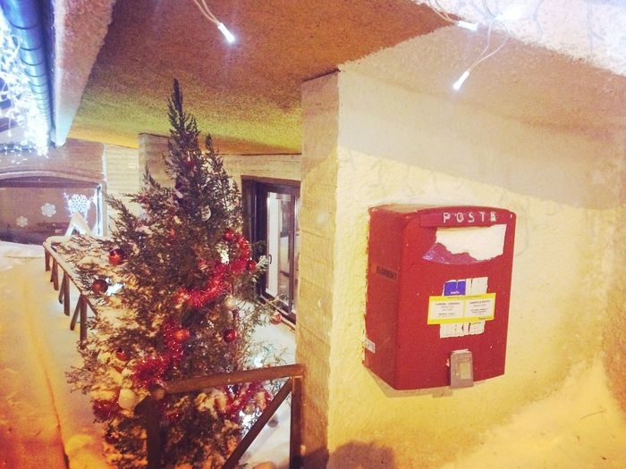 Returntosender Red Snow Cold Indoors  No People Architecture Day Abruzzo Italy Awesome Walking Around Nightwalk