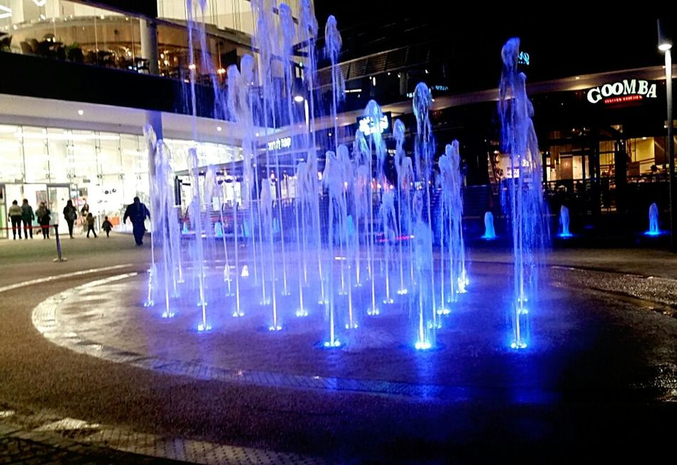 Cold Outside Illuminated Cityscape Architecture Urban Lifestyle Shopping Center From Wher I Stand Urban Geometry Water Fountain Technology City Lights Blue Water The City Light