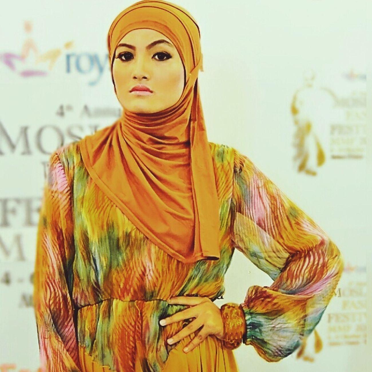 Model Muslim Hijabfashion Hijabbeauty Hijabstyle  Amodelssurabaya Muslimstyle Muslimahfashion Www.amanagementsby.web.id simply elegance bunga   model: bunga   MUA & hijab: adie a iskandar