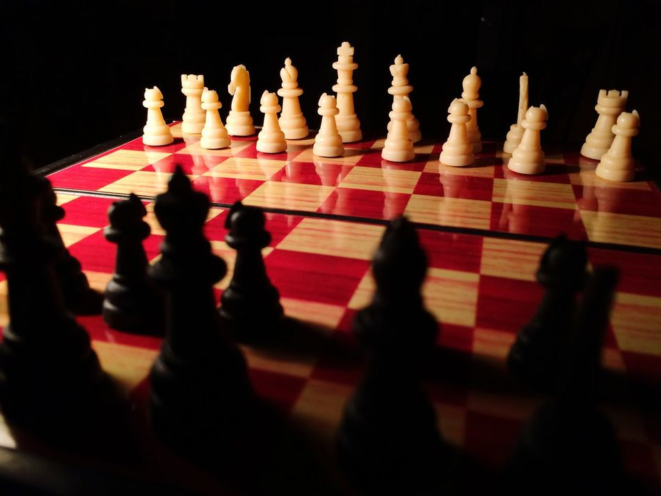 Chess Chess Board Chess Piece Leisure Games Strategy Pawn - Chess Piece Black Color No People Black Background Close-up Indoors  King - Chess Piece Knight - Chess Piece Black & White White Black Games Table Game Clever Smart Queen Strategic Strategy Game Queen - Chess Piece